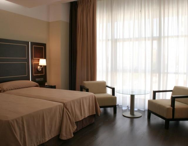 hotel-nh-casino-extremadura-02