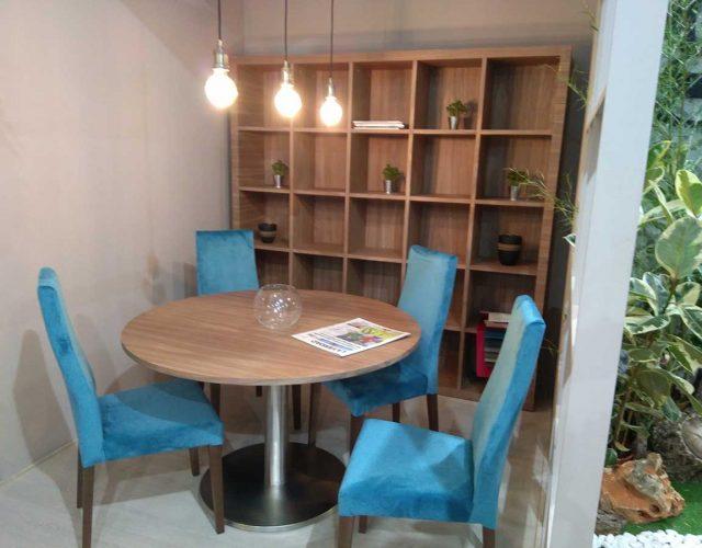 Estanterias modernas para salon awesome estanterias for Mesa redonda esquinera
